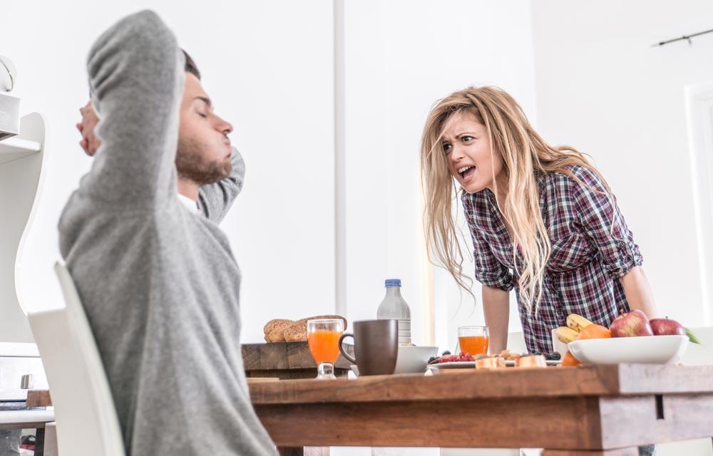 Не говорите «Успокойся». Как справиться с чужим гневом и истерикой