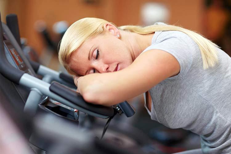 Сомнолог рассказал, как на сон влияют курение, стрессы, соцсети и нейротехнологии