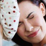 Невролог пояснил, как распознать и устранить менструальную мигрень