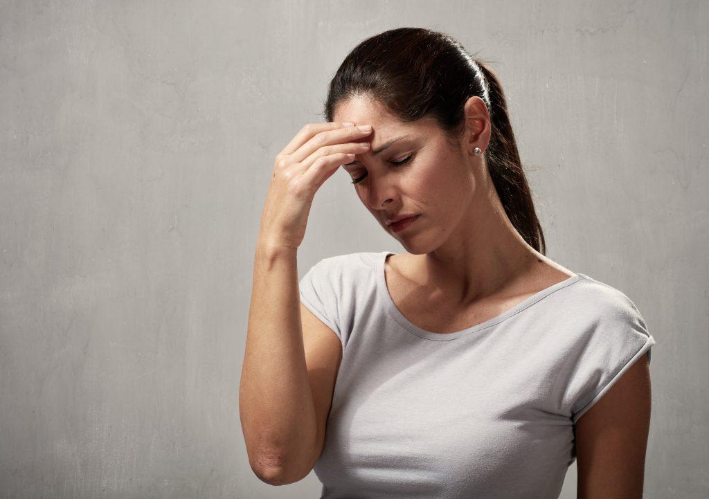 Как избавиться от мигрени в домашних условиях и не только? Симптомы и причины болезни
