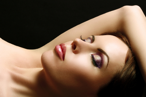 Немеют руки во время сна: пора волноваться?